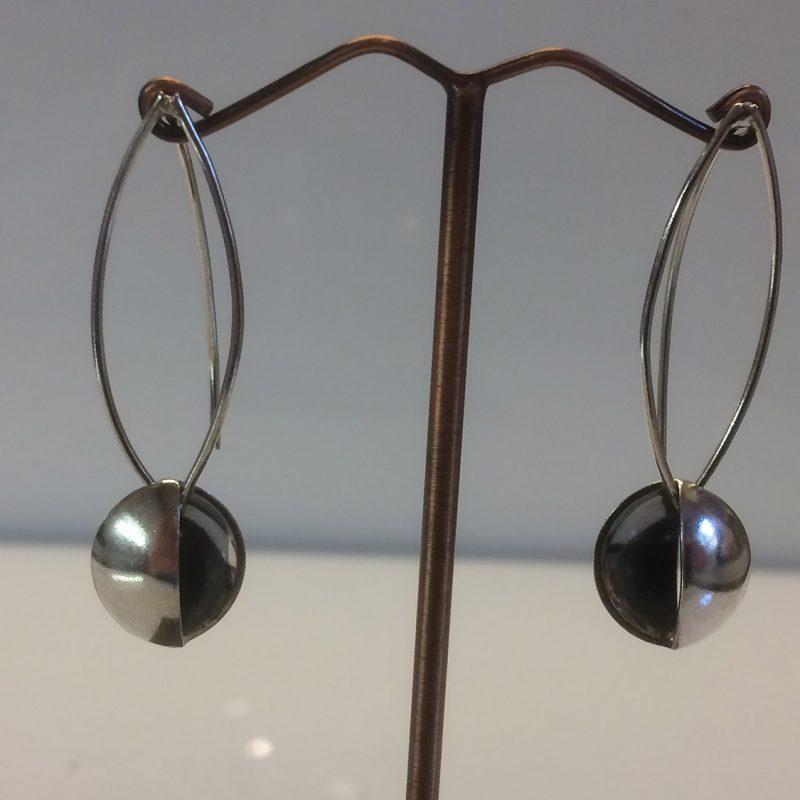 Split disc oxidised earrings